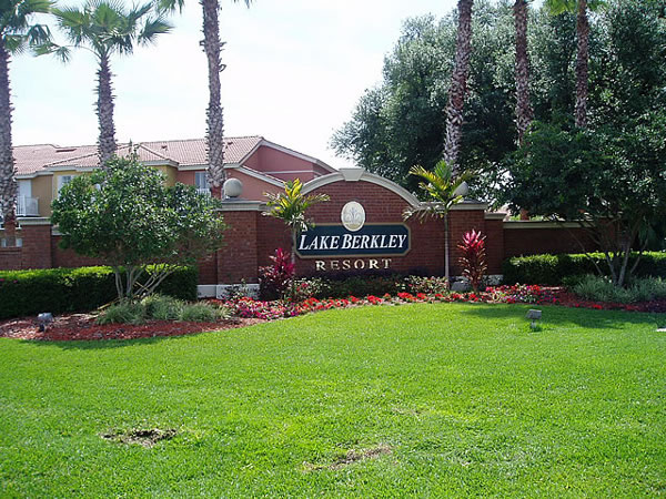 Florida Villa Lake Berkeley Resort